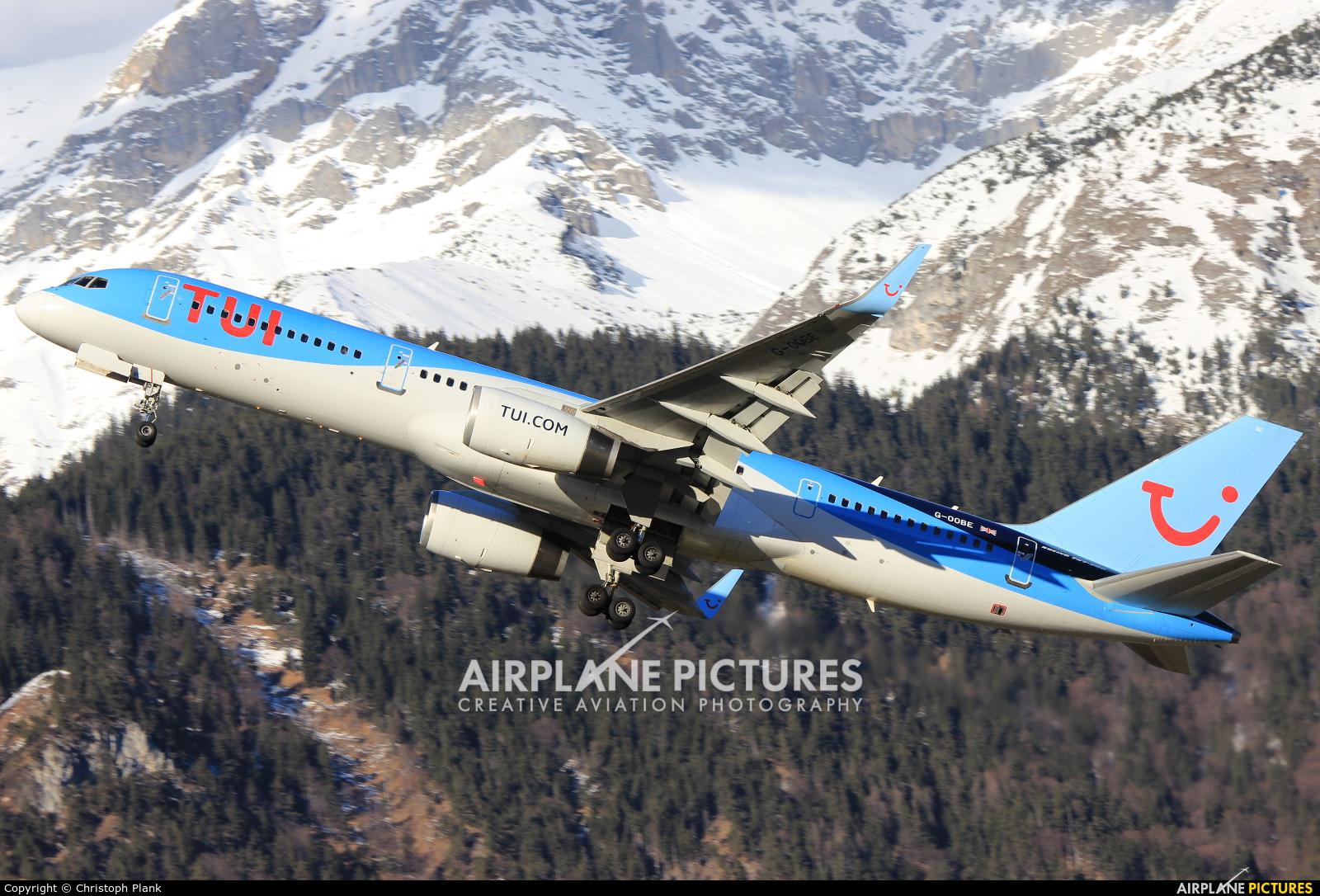 TUI Airways G-OOBE aircraft at Innsbruck