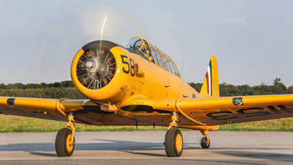 G-BBHK - Private North American Harvard/Texan (AT-6, 16, SNJ series)