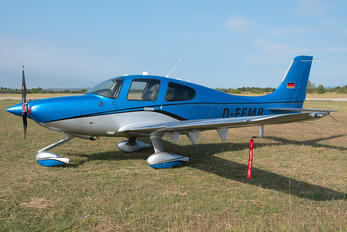 D-EEMB - Private Cirrus SR22T