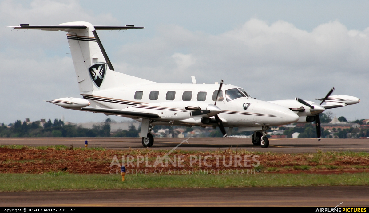Private PR-GPX aircraft at Municipal Airport Cascavel