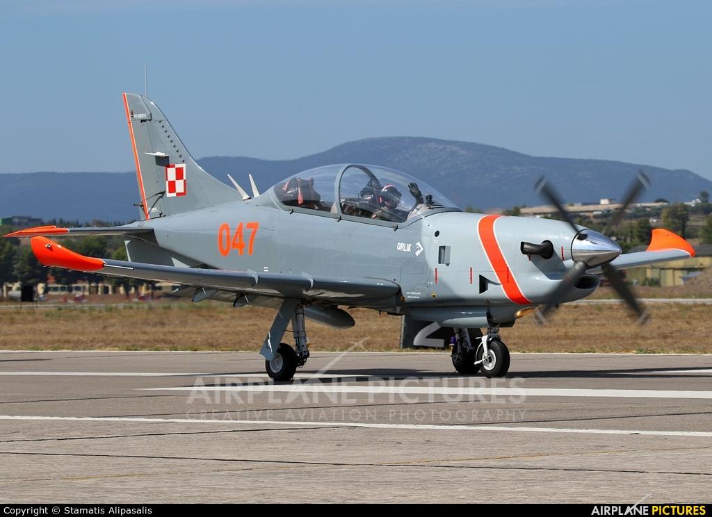 """Poland - Air Force """"Orlik Acrobatic Group"""" 047 aircraft at Tanagra"""