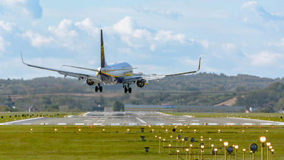 EI-GDN - Ryanair Boeing 737-8AS