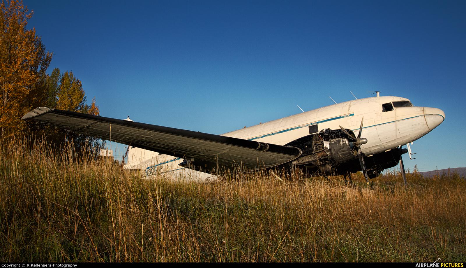 N305SF aircraft at Palmer Municipal