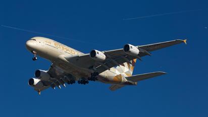 A6-API - Etihad Airways Airbus A380