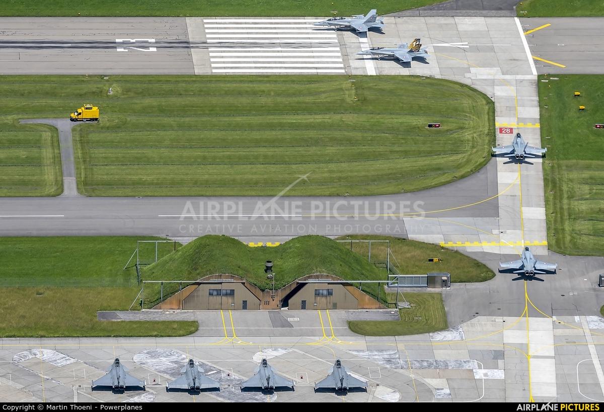 - Airport Overview J-5011 aircraft at Meiringen