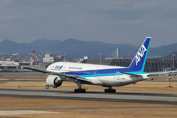 JA702A - ANA - All Nippon Airways Boeing 777-200