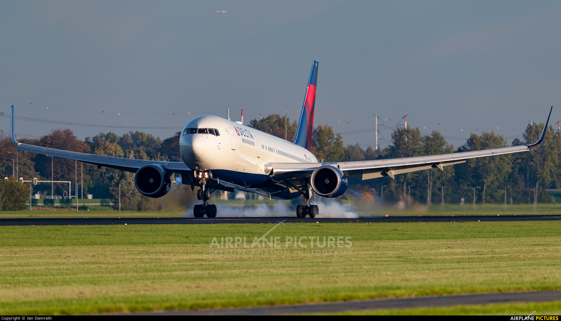 Delta Air Lines N155DL aircraft at Amsterdam - Schiphol