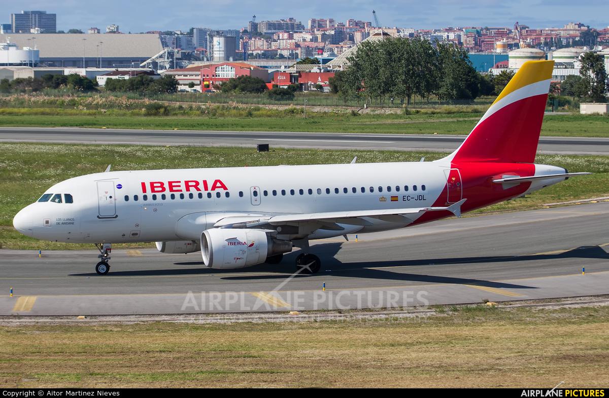 Iberia EC-JDL aircraft at Santander