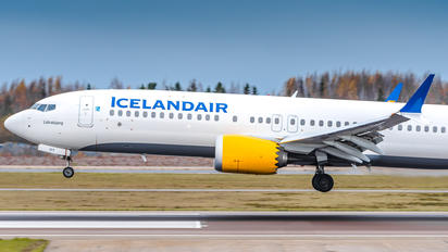 TF-ICY - Icelandair Boeing 737-8 MAX