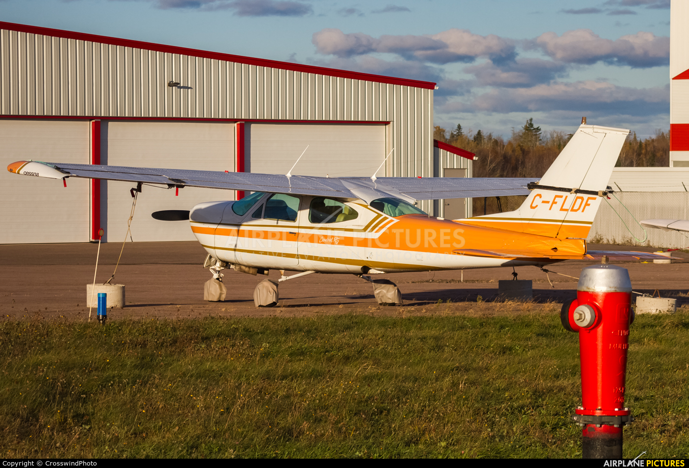 Private C-FLDF aircraft at greater Moncton International