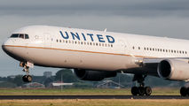 N69063 - United Airlines Boeing 767-400ER aircraft