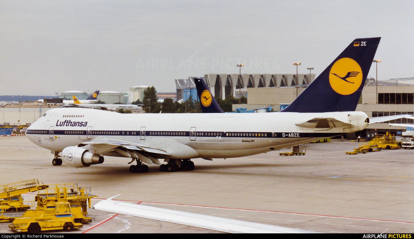 Lufthansa D-ABZE aircraft at Frankfurt