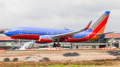 N221WN - Southwest Airlines Boeing 737-700
