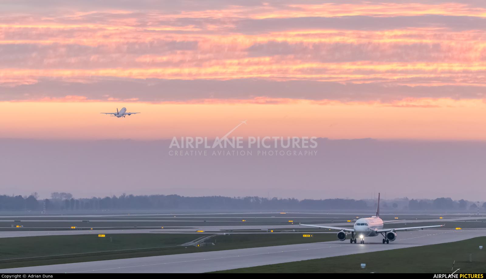 - Airport Overview - aircraft at Munich