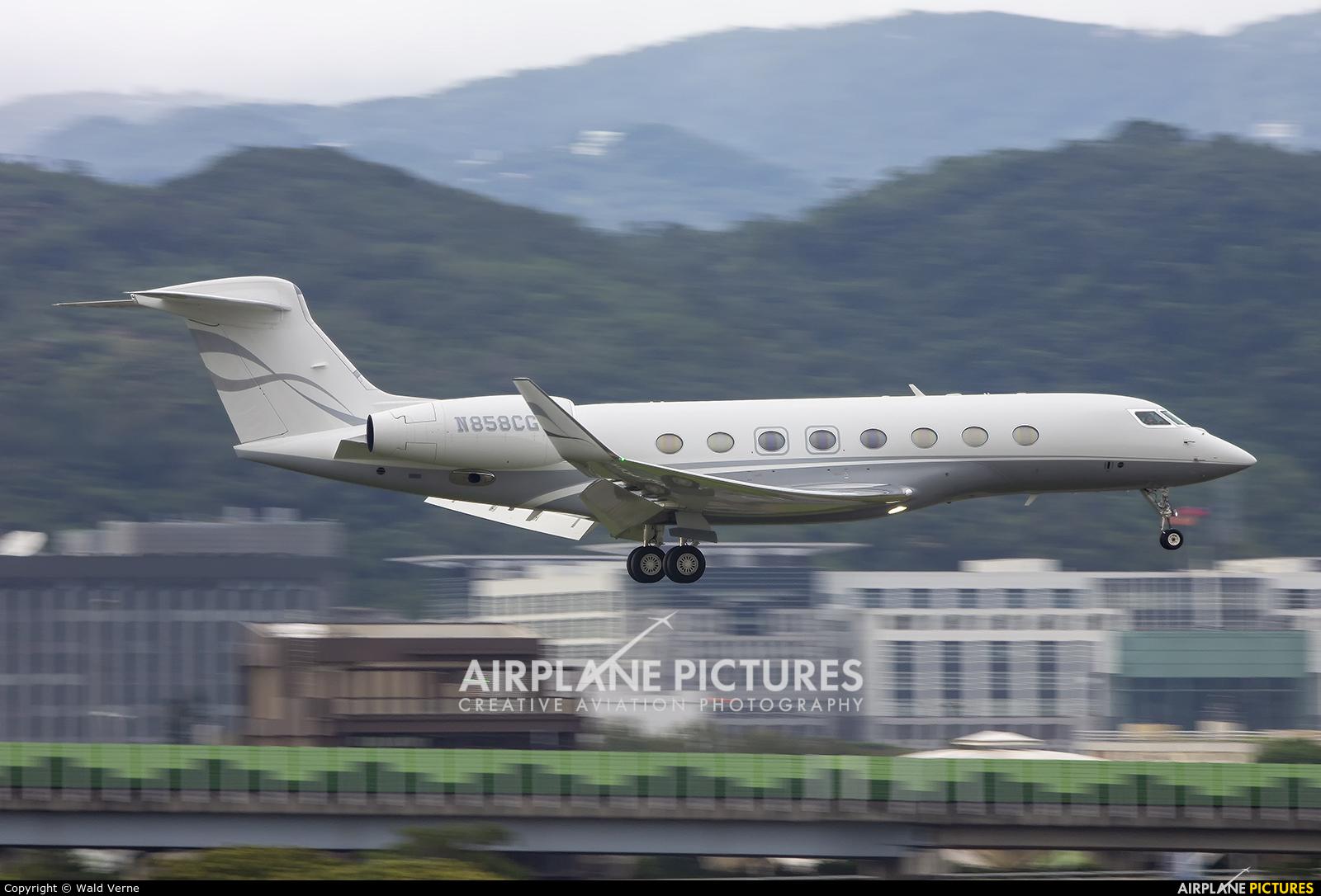 N858CG aircraft at Taipei - Sung Shan