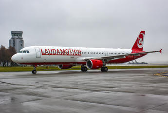 OE-LCJ - LaudaMotion Airbus A321