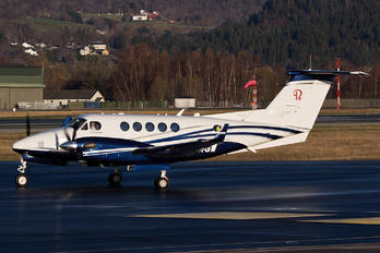 LN-KGW - Private Beechcraft 250 King Air