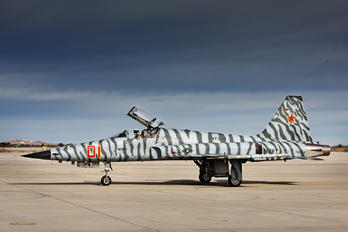 761564 - USA - Navy Northrop F-5N Tiger II