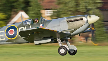 G-AWII - The Shuttleworth Collection Supermarine Spitfire Mk.Vc