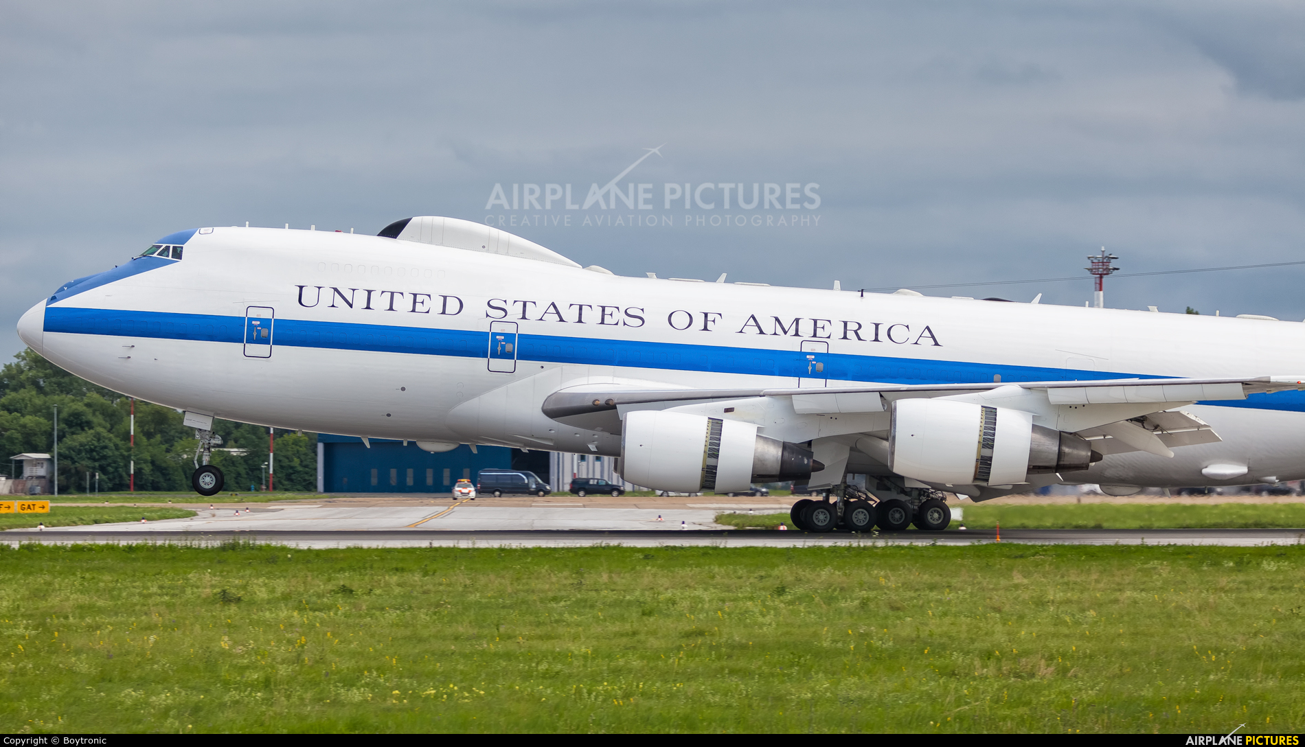 73 1677 usa air force boeing e 4b at zagreb photo id 1118077