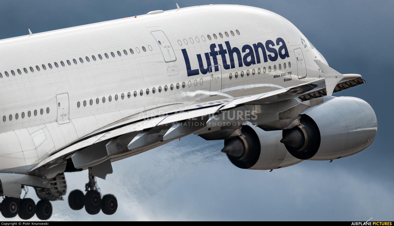 Lufthansa D-AIMJ aircraft at Frankfurt