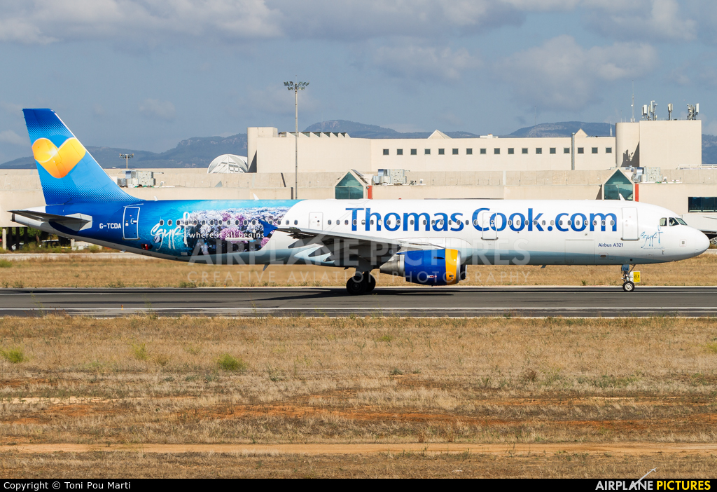 Thomas Cook G-TCDA aircraft at Palma de Mallorca
