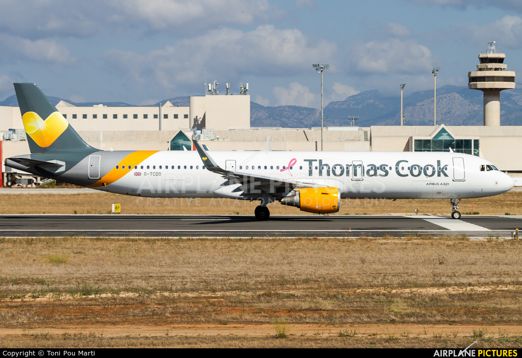 Thomas Cook G-TCDD aircraft at Palma de Mallorca
