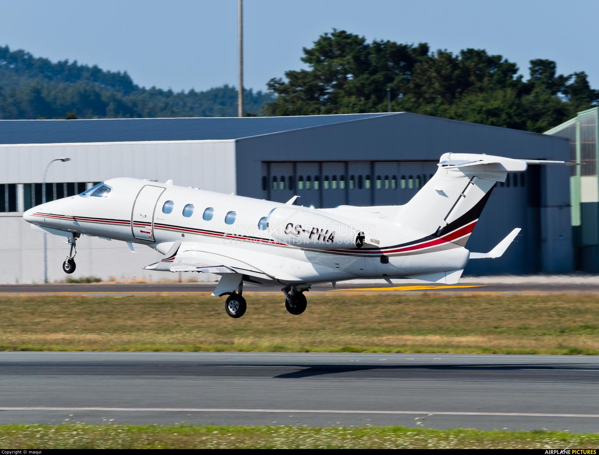 NetJets Europe (Portugal) CS-PHA aircraft at Santiago de Compostela