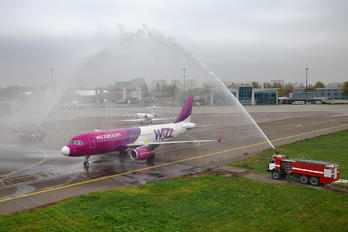 HA-LWA - Wizz Air Airbus A320