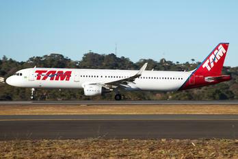 PT-XPO - TAM Airbus A321