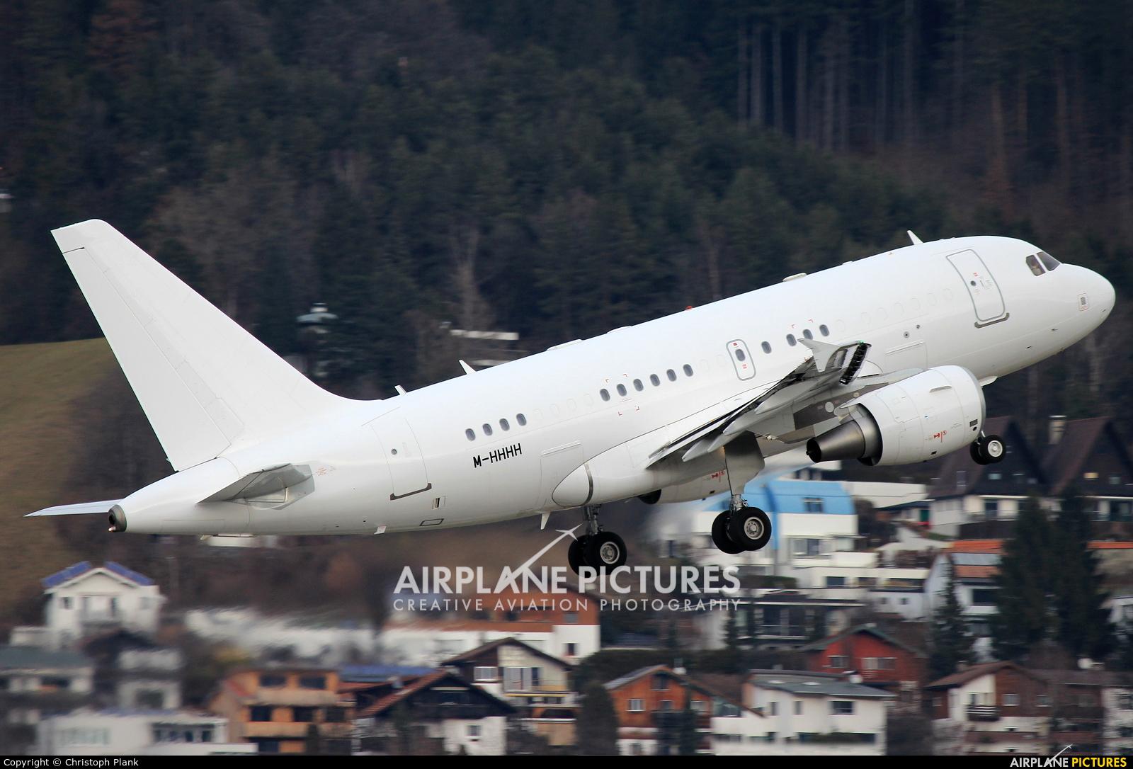 Kutus Limited M-HHHH aircraft at Innsbruck