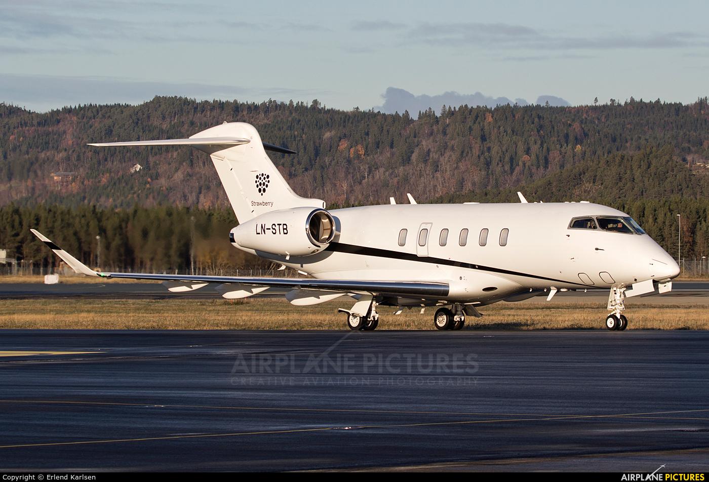 Sundt Air LN-STB aircraft at Trondheim - Vaernes
