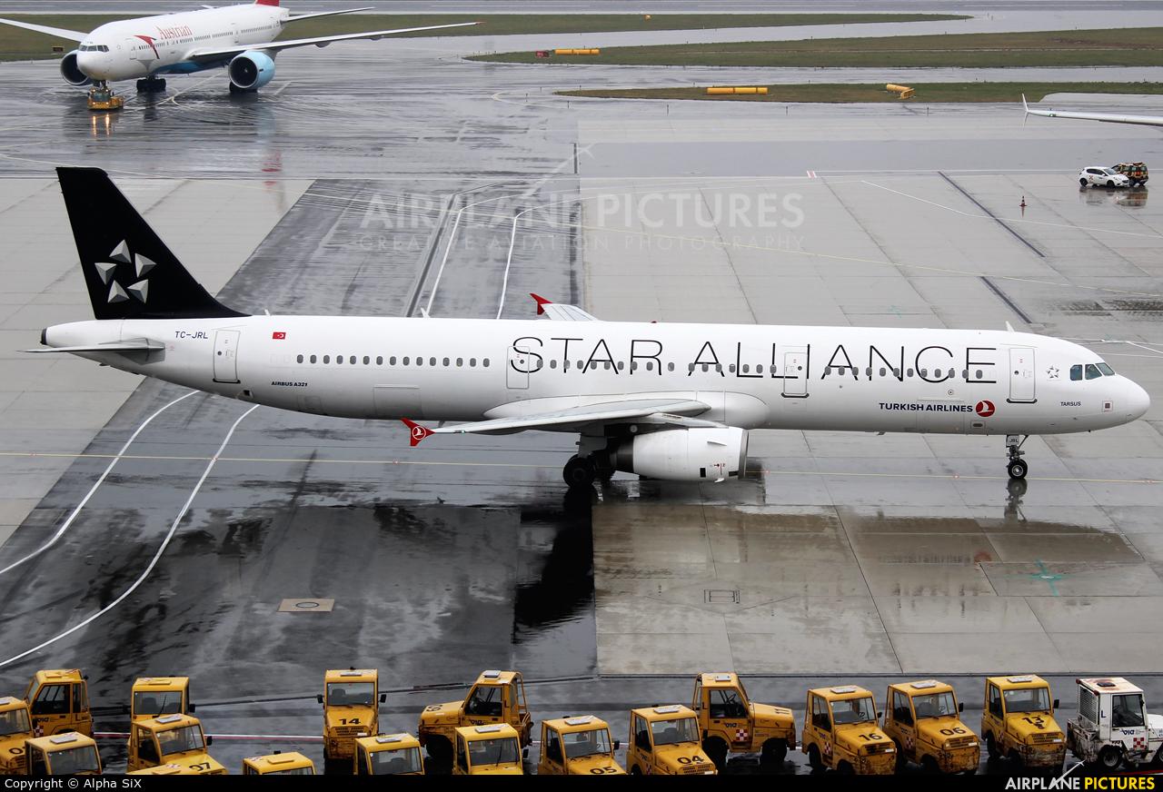 Turkish Airlines TC-JRL aircraft at Vienna - Schwechat