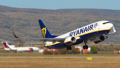 EI-GJF - Ryanair Boeing 737-8AS