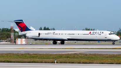 N940DL - Delta Air Lines McDonnell Douglas MD-88