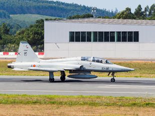 AE.9-018 - Spain - Air Force CASA-Northrop  SF-5B(M) Freedom Fighter