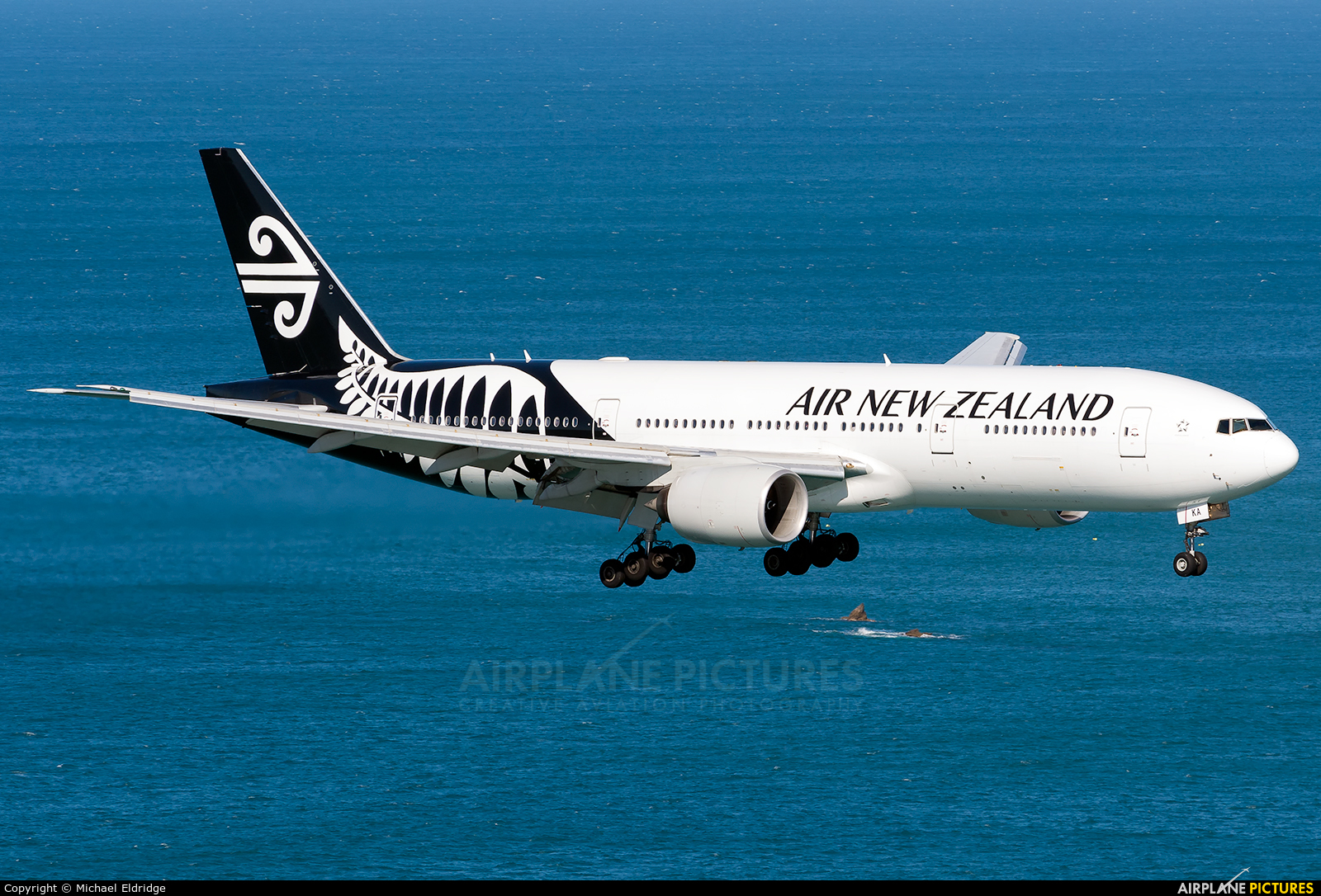 Air New Zealand ZK-OKA aircraft at Wellington Intl