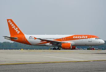 OE-IZT - easyJet Airbus A320