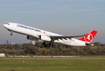 TC-JNI - Turkish Airlines Airbus A330-300