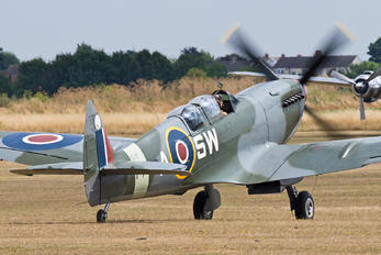 G-CTIX - Private Supermarine Spitfire T.9