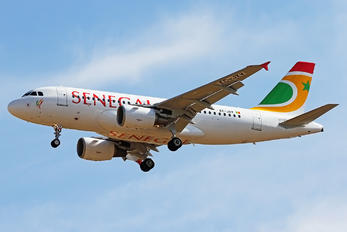 EC-JXV - Air Senegal International Airbus A319