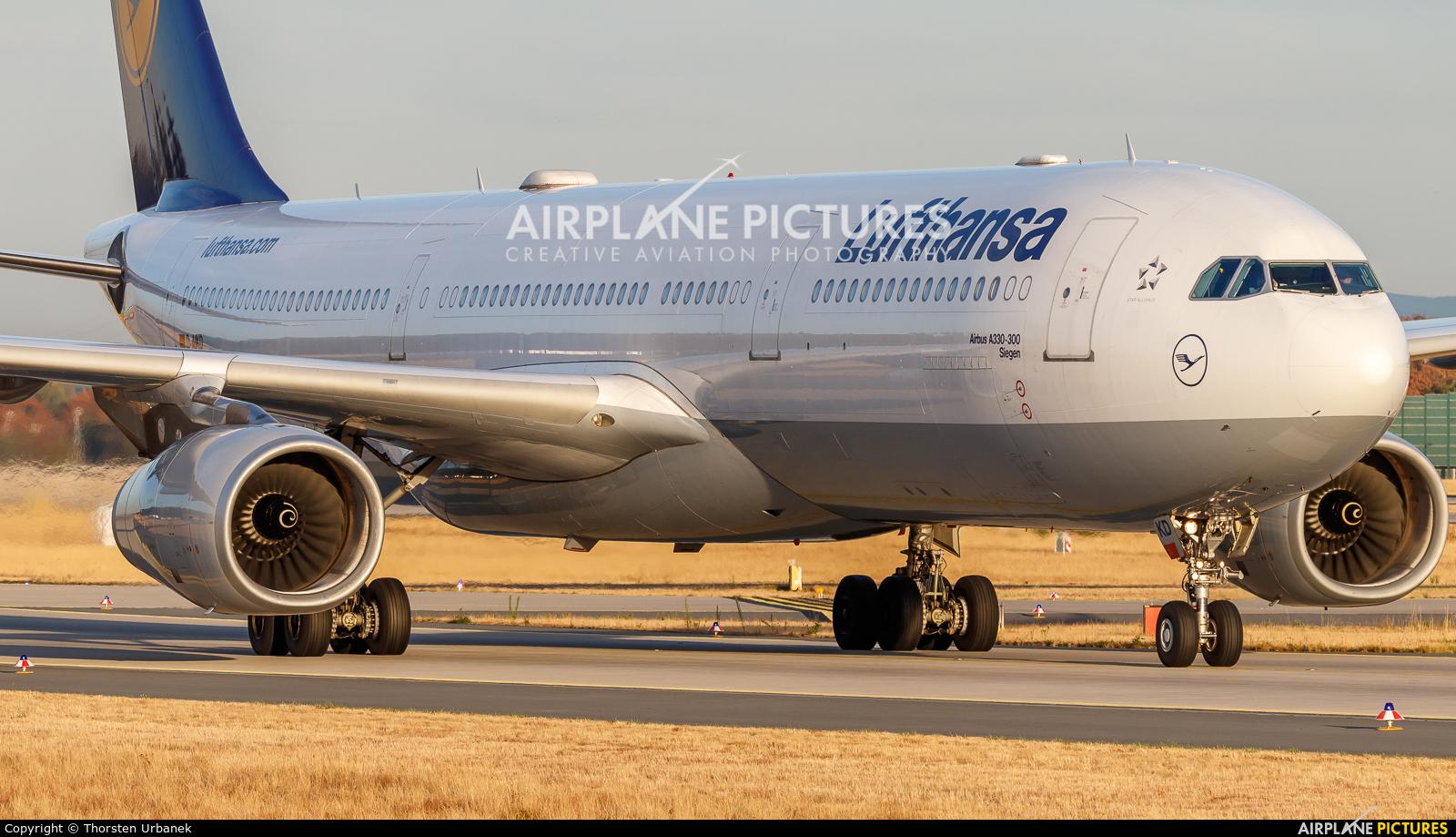 Lufthansa D-AIKD aircraft at Frankfurt