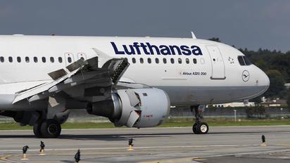 D-AIQF - Lufthansa Airbus A320