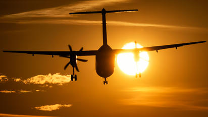 SP-TKW - LOT - Polish Airlines de Havilland Canada DHC-8-400Q / Bombardier Q400