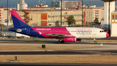 HA-LWG - Wizz Air Airbus A320
