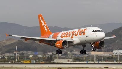 G-EZBI - easyJet Airbus A319