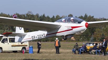 SP-3042 - Aeroklub Warszawski PZL SZD-9 Bocian