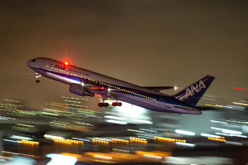 JA8568 - ANA - All Nippon Airways Boeing 767-300ER