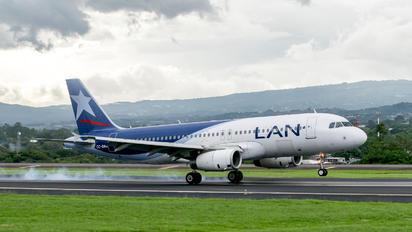 CC-BAG - LAN Airlines Airbus A320