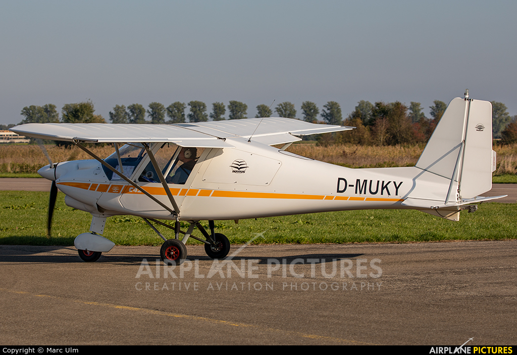 Private D-MUKY aircraft at Donauwörth - Genderkingen